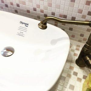 造作洗面台イタリア製の洗面ボウル